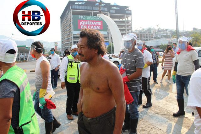 """Brigadas recorren Acapulco para promover el """"Quédate en casa""""."""