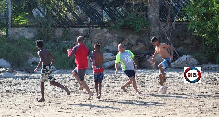 Noviembre en Acapulco: Turismo al límite, futbol y Covid-19.