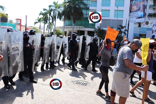 Respuesta policial a solicitud de abrir gimnasios en Acapulco.