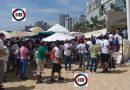 """Cooperativistas se enfrentan por """"control"""" de playa Icacos en Acapulco."""