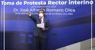 José Alfredo Romero toma protesta como rector interino de la UAGro.