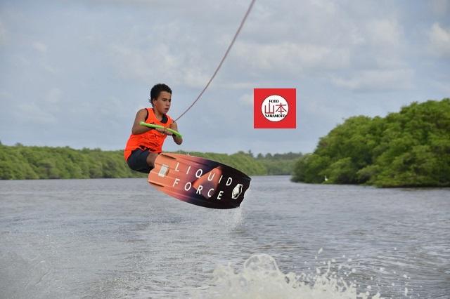 Laguna de Tres Palos recibe torneo de wakeboard.